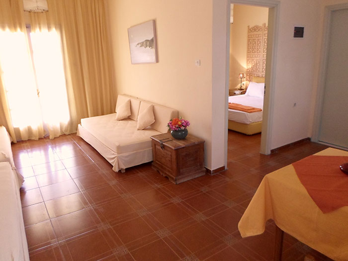 HOTEL ARIADNE SKYROS TWO-ROOM APARTMENT