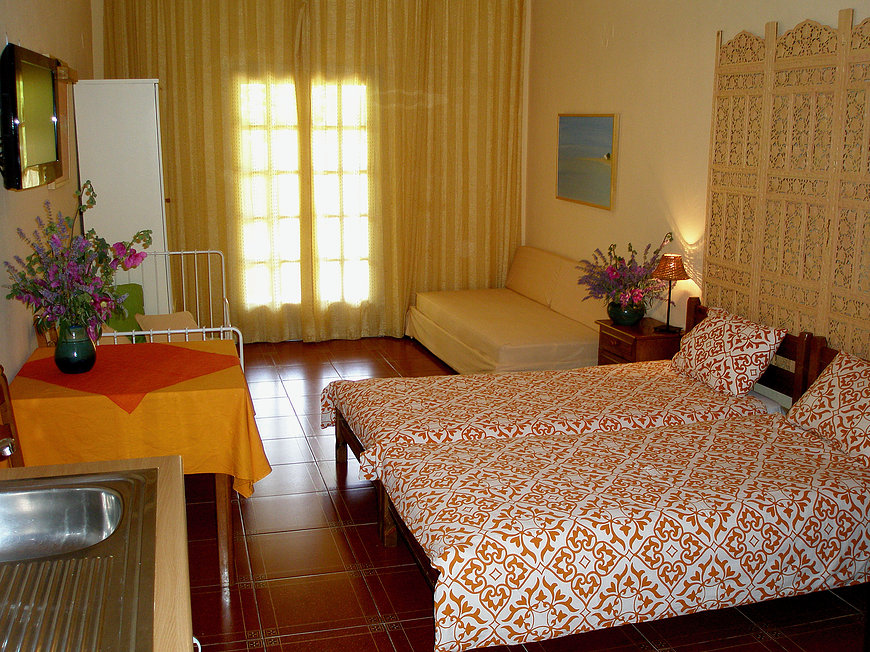 HOTEL ARIADNE SKYROS TWIN BED STUDIO